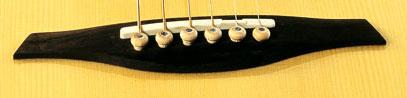 Подставка для струн акустической гитары