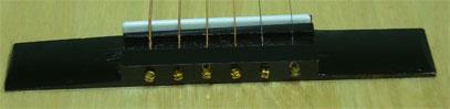 Классическая подставка с металлическими струнами